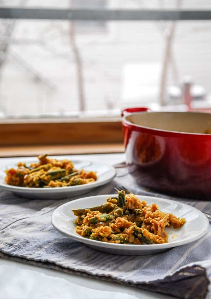 Mushroom-Free Caramelized Onion and Green Bean Casserole