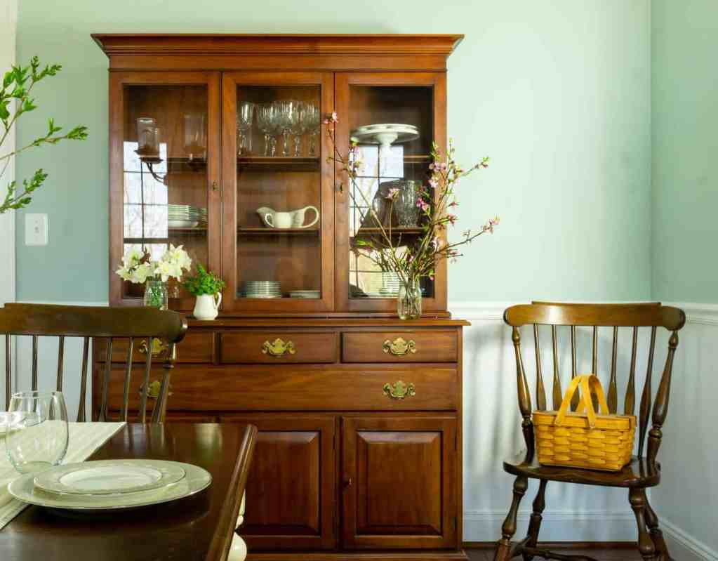 Woodlawn blue dining rom with natural spring decorations