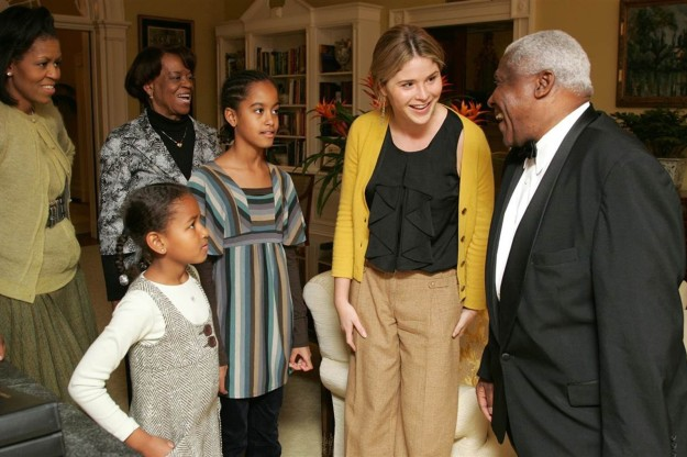 Jenna Bush Hager on Friday shared some rare photos on Today showing the first time Sasha and Malia Obama visited the White House back in 2008.