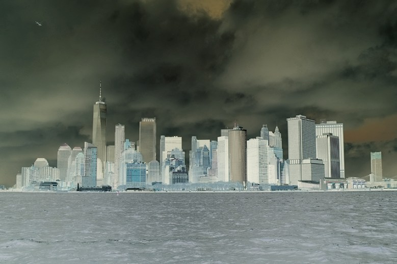 NYC, does a storm arrives in Manhattan?
