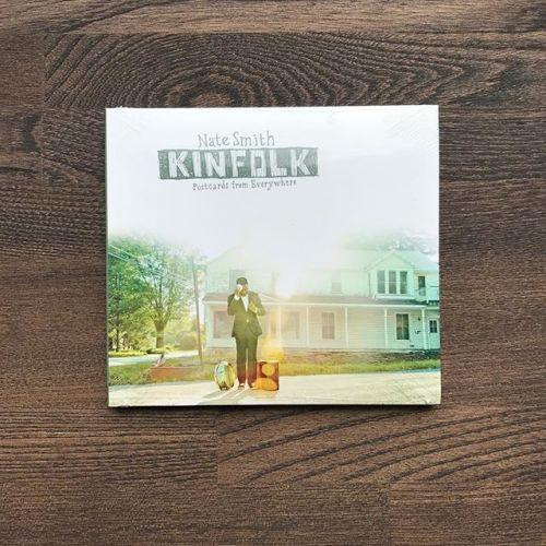 スタイリストの杉田です。お盆明けでクールダウンしたいそんな時、こんな曲でお待ちしてます。•Nate Smith『Kinfolk: Postcards from Everywhere』マーク・ジュリアナ、リチャード・スペイヴンのアルバムに匹敵する超傑作!ネイト・スミス待望のリーダー・アルバム。クリス・バワーズ、リオネル・ルエケ、グレッチェン・パーラト、デイヴ・ホランド、クリス・ポッターらが参加。いまのNYのジャズシーンを代表するドラマーの一人、ネイト・スミス。ホセ・ジェイムス、クリス・ポッターやデイヴ・ホランドとの活動、ジャズだけでなくヒップホップやクラブ系まで、ジャンルに縛られる事なく起用される敏腕ドラマー。グレッチェン・パーラトをフィーチャーしたドミーリーな楽曲、ネオソウルテイストのインストを収録。#natesmith #heartymusic #kinfolk