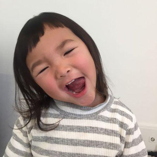 可愛いお客様️柔らかい髪におデコギリギリの斜め前髪でご機嫌❣️ #AKIKO#hearty#高崎美容室ハーティー#キッズカット#子供ヘアスタイル #前髪ぱっつん @akikokiakikoki