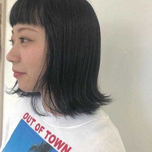 担当シオリ @shiori_tomii 深いネイビーブルー秊眉上パッツンがいまきてます秊秊#hearty#shiori_hair #ネイビー#ネイビーカラー#高崎美容室