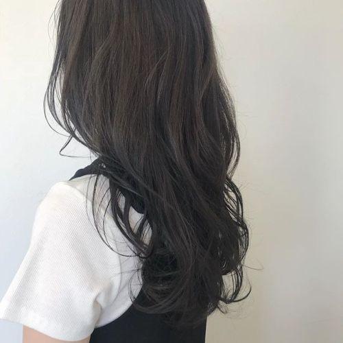 担当シオリ @shiori_tomii ダークトーンなダークグレー🦕#hearty#shiori_hair #ダークグレー#グレージュ#高崎美容室
