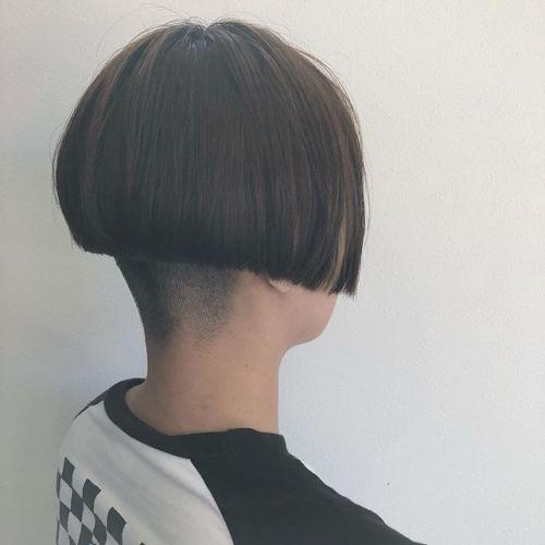 stylist: @hearty_miyahara 刈りBOBチラ見えハイライト#hearty#cut#ハイライト#BOB