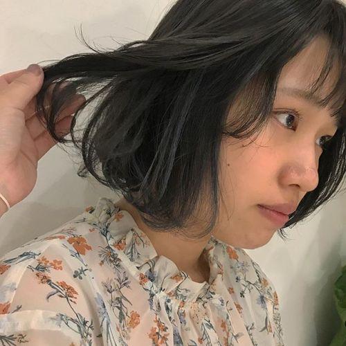 担当シオリ @shiori_tomii highlightをたっぷりいれてムラムラグレージュカラー🦋#hearty#shiori_hair #グレージュ#ハイライト#高崎美容室