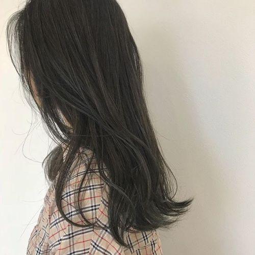 担当シオリ @shiori_tomii マットベージュ🌳最近マット系きてます#hearty #shiori_hair #マットベージュ#カーキベージュ#ハイトーン#高崎美容室#高崎