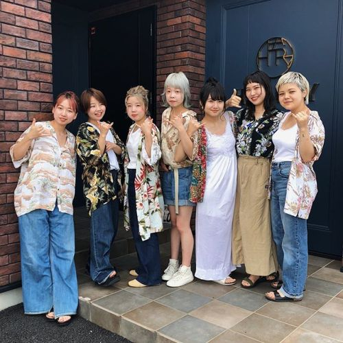 """dress code""今月は""アロハ🤙""です!本日はこんな感じでお待ちしております#hearty#heartyhair#heartystaff#高崎#群馬#美容室#美容師#高崎美容室#群馬美容室#アロハーティー#aloha#sea#花柄#アロハシャツ#alohashirt#fashion#ootd#vintage#dresscode#ドレスコード"
