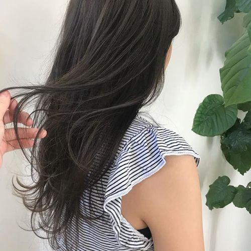 担当シオリ @shiori_tomii グレージュカラー加工なしです♡#hearty#shiori_hair #グレージュ#透明感カラー#ヘアスタイル#ヘアカラー#アッシュベージュ#高崎美容室#高崎