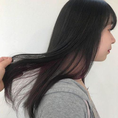 担当シオリ @shiori_tomii グレージュ+point color そしてロイヤルトリートメントもしてサラツヤですロイヤルトリートメントは約2ヶ月ほど効果が持続します!こんな実感できるトリートメントは他にないですよ!ぜひお試しください♡#hearty#shiori__hair #グレージュ#アッシュ#ポイントカラー#ハイライト#ヘアカラー#ヘアスタイル#高崎美容室#高崎
