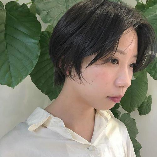 担当シオリ @shiori_tomii 前髪を伸ばしてハンサムショート風に🥀#hearty#shiori_hair #ハンサムショート#ショートヘア#ヘアスタイル#グレージュ#ダークグレー#高崎美容室#高崎