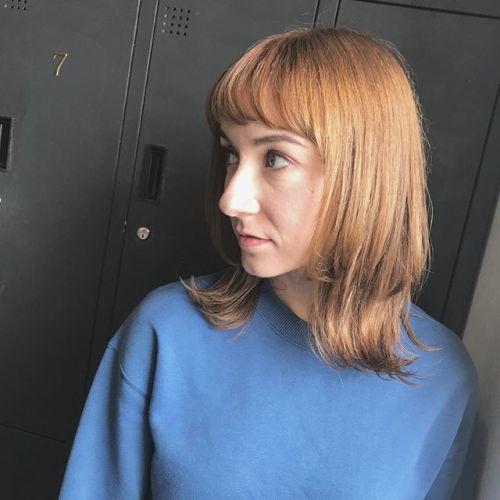 guest snap・何度もお店の撮影モデルさんをやってくれてるシャノンが髪の毛を任せてくれました︎・・根元のリタッチをしただけでも、さすが絵になります @shun09250・・#HEARTY#abond#高崎#高崎美容室#群馬#ブリーチカラー#ハイライト#ヘアカラー#ブリーチ#外国人風カラー#外ハネ#ブルージュ#波ウェーブ#グレージュ#カーキグレージュ#アッシュグレージュ#ネイビー#ネイビーカラー#ポイントカラー