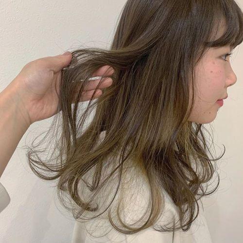 担当シオリ @shiori_tomii 最近ハイライト大人気です細かく入れるので抜けてもかわいいです!#hearty#shiori_hair #ハイライト#ポイントカラー#ブリーチカラー#ベージュ#高崎美容室#群馬美容室#高崎#群馬