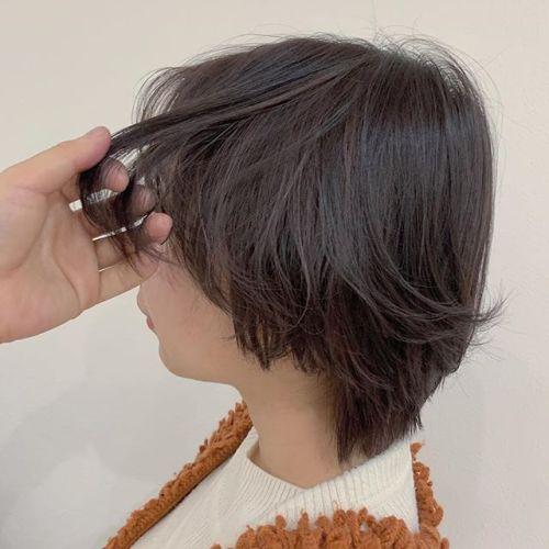 担当シオリ @shiori_tomii ピンクグレージュのハイライトカラー🦈#hearty#shiori_hair #ショートヘア#ピンクグレー#グレージュ#ハイライト#高崎美容室#群馬美容室#高崎#群馬