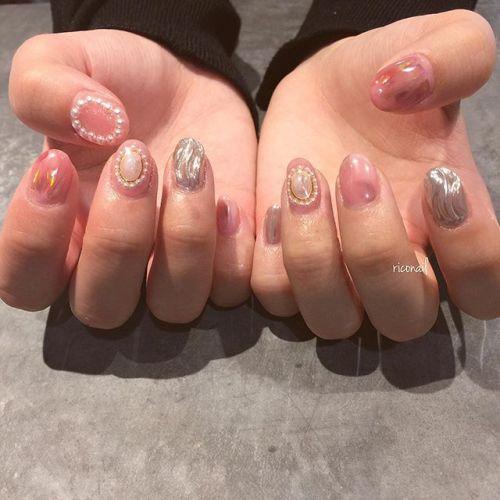 ベビーピンクのヴィンテージネイル♡̷#riconail #HEARTY #abond #nail #nails #gelnail #gelnails #nailart #instanails #nailstagram #beauty #fashion #nuancenail #ネイル #ジェルネイル #ネイルデザイン #ニュアンスネイル #ヴィンテージネイル #ミラーネイル @riconail123