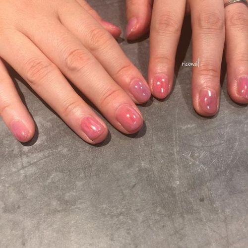 10本全てを同じ色にせず ピンクをメインに色を重ねて 少しずつトーンを変えてみました♡̷#riconail #HEARTY #abond #nail #nails #gelnail #gelnails #nailart #instanails #nailstagram #beauty #fashion #nuancenail #ネイル #ジェルネイル #ネイルデザイン #ニュアンスネイル #シアーネイル @riconail123