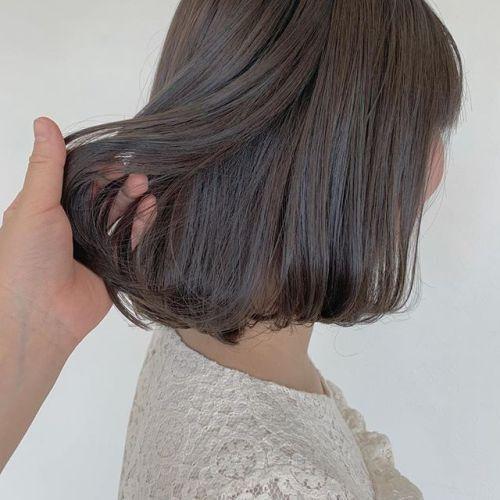 担当シオリ @shiori_tomii 前に入れたハイライトをいかしてアッシュベージュに♀️春は柔らかカラーで決まりです♡#hearty#shiori_hair #アッシュベージュ#グレージュ#透明感カラー#ヘアスタイル#高崎美容室#群馬美容室#高崎#群馬