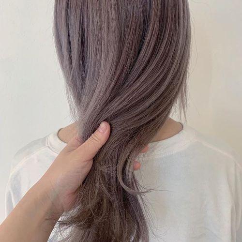 本日お店が全体的にゆったりしてますのでぜひ髪の毛をやりにいらしてください素敵にします!ご予約はネット予約からお待ちしております!担当シオリ @shiori_tomii ラベンダーベージュこちらもブリーチ必須です!#hearty#shiori_hair #ハイトーン#ラベンダーベージュ#ラベンダーアッシュ #ケアブリーチ#ブリーチ#群馬美容室#高崎美容室#高崎#群馬