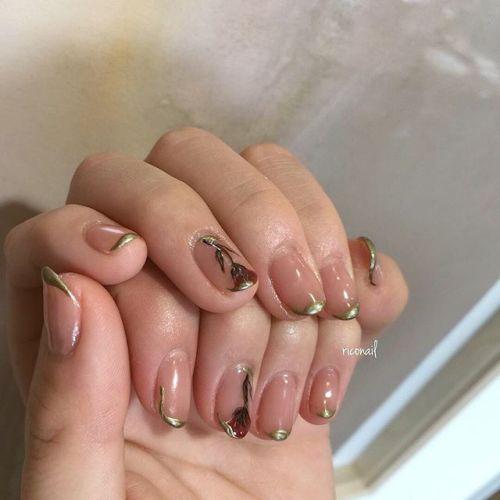 お客様の持ち込み画像を参考にしたお花のネイル︎#riconail #HEARTY #abond #nail #nails #gelnail #gelnails #nailart #instanails #nailstagram #beauty #fashion #nuancenail #ネイル #ジェルネイル #ネイルデザイン #ニュアンスネイル #シアーネイル @riconail123