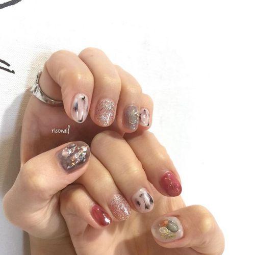 さりげなくアシンメトリーಇღ#riconail #HEARTY #abond #nail #nails #gelnail #gelnails #nailart #instanails #nailstagram #beauty #fashion #nuancenail #ネイル #ジェルネイル #ネイルデザイン #ニュアンスネイル #シアーネイル #アシンメトリーネイル #個性派ネイル @riconail123