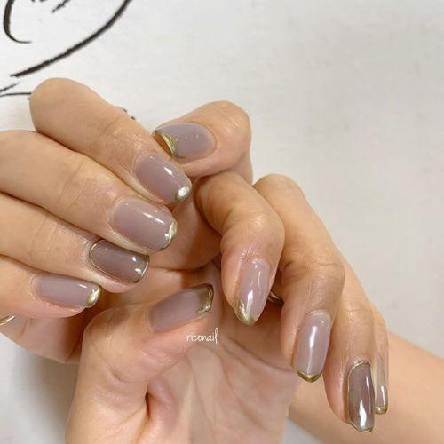 シアーカラーとゴールドの組み合わせが上品でかわいいಇಇ#riconail #nail #nails #gelnail #gelnails #nailart #instanails #nailstagram #beauty #fashion #nuancenail #ネイル #ジェルネイル #ネイルデザイン #ニュアンスネイル #個性派ネイル @riconail123