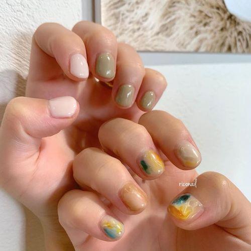 トーンを合わせたアシンメトリーネイル✩#riconail #HEARTY #abond #nail #nails #gelnail #gelnails #nailart #instanails #nailstagram #beauty #fashion #nuancenail #ネイル #ジェルネイル #ネイルケア #ニュアンスネイル #個性派ネイル @riconail123