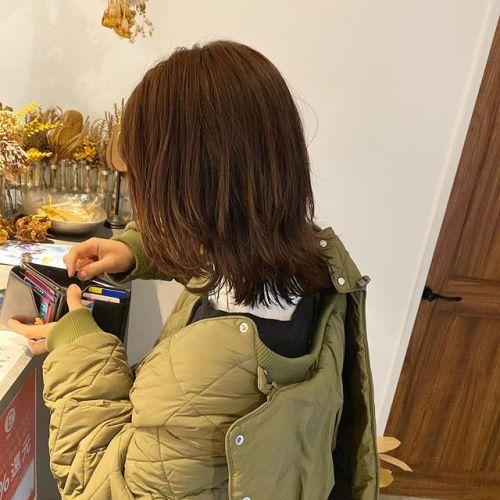 高めのレイヤーとインレイヤーでくびれを︎colorはdark orange--hair by @jukito_yajima --#ショートボブ #ショート#ショートヘア#ハンサムショート#ボブ#bob#ショートウルフ#ボブウルフ#オリーブ#切りっぱなしボブ#パッっとボブ#メンズヘア#メンズパーマ#ショートパーマ#ウルフパーマ#ツイストパーマ#cut#カット#カラー#パーマ#ロングレイヤー#ミディアムヘア#hair#ハイレイヤー#ハイライト#ハイライトカラー#バレイヤージュカラー#orangehair