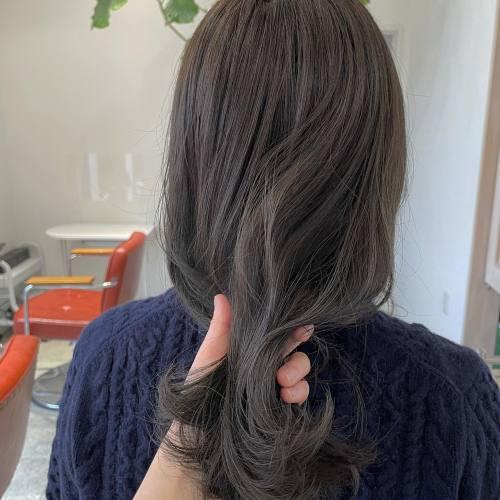 担当シオリ@shiori_tomii オリーブグレージュ#hearty#shiori_hair #オリーブグレージュ#オリーブベージュ#オリーブカラー #高崎美容室#群馬美容室#高崎#群馬