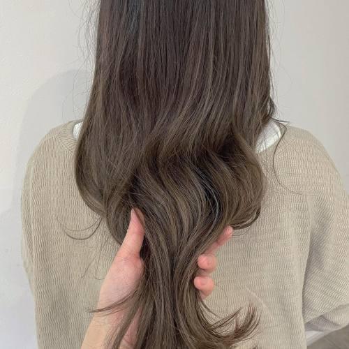 担当シオリ @shiori_tomii 大人ハイライト細く細かく入れるのがポイントです♡#hearty#shiori_hair #大人ハイライト#ハイライト#外国人風カラー #ムラカラー#高崎美容室#群馬美容室#高崎#群馬