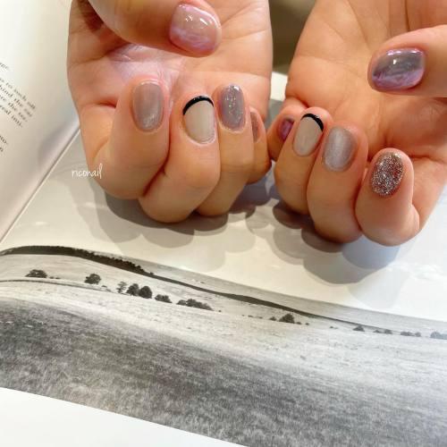いろんなキラキラ⋆꙳⸝⋆#riconail #HEARTY #abond #高崎美容室 #nail #nails #gelnail #gelnails #nailart #nuancenail #ネイル #ジェルネイル #ネイルケア #ネイルデザイン #ニュアンスネイル #フレンチネイル #マグネットネイル #ミラーネイル @riconail123
