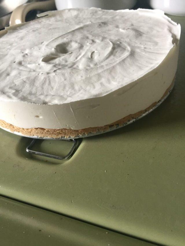 Cheesecake on pan