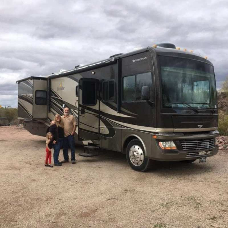 39 Pictures of Extremely Happy People Buying Their First RV - Heath