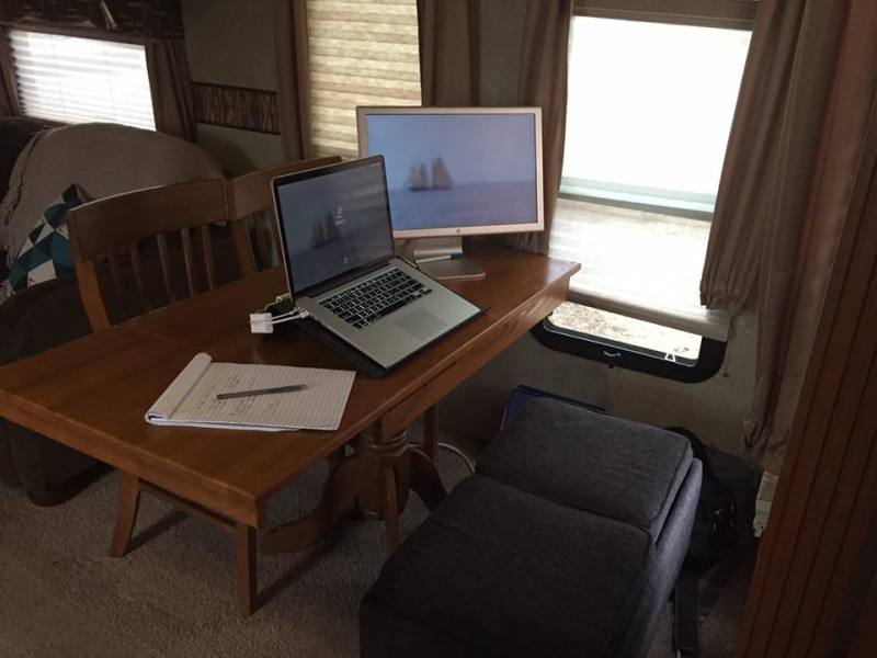 Steffanie Pisula office set-up