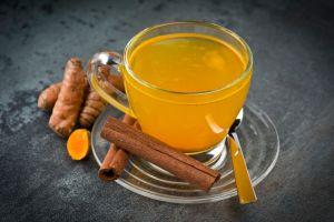 ginger turmeric tea to combat the coronavirus #heatherearles #herbnwisdom #naturalliving #coronavirus #gingerteerecipe #teatime #viruscures