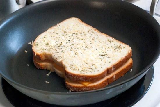 crispy garlic bread grilled