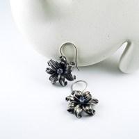 mitsuro flower earrings