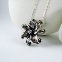 tropical flower necklace side view