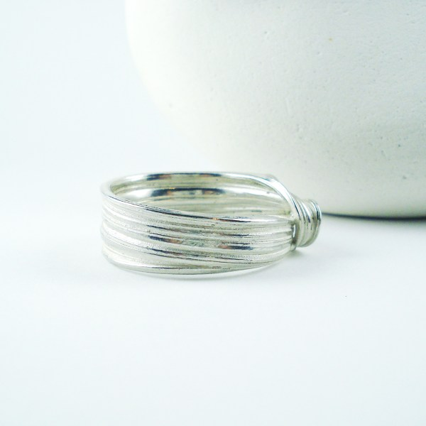wave ocean ring side view