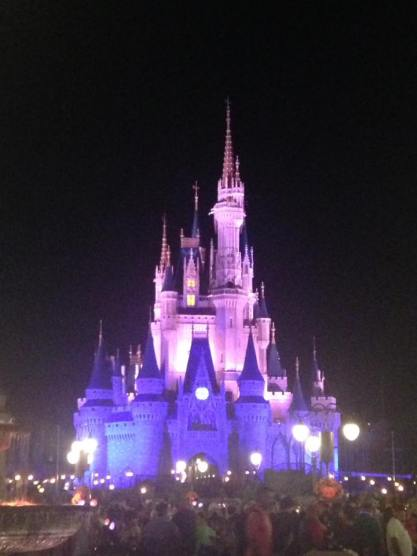 castle-at-night