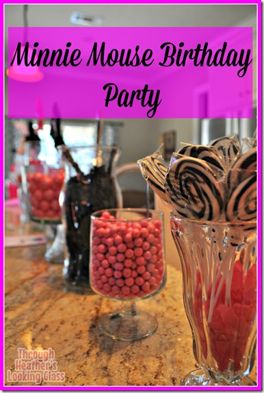 Minnie Mouse pink birthday party, candy bar, minnie cake, kid birthday @HeathersLG