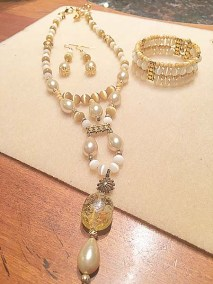 Vintage pearl and glass set