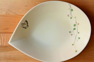 Butterfly Plates, Set of 3 | Simple and elegant plates featuring a lovely butterfly and floral pattern. Cream with pastel accents. Microwave and dishwasher safe. Made in Japan. | heavenlyhomecooking.com