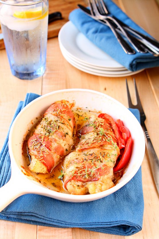 Rosemary Chicken Wrapped in Bacon | It doesn't get any easier than this. Only 5 ingredients and in less than 30 minutes you can have this delicious entree on the table! | heavenlyhomecooking.com