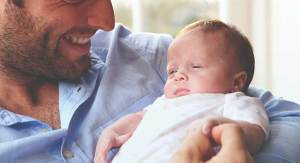 766x415_How_to_Hold_a_Newborn_Baby