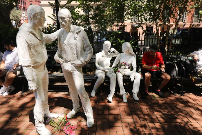 nyc statues
