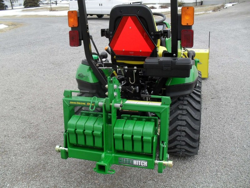John-Deere-Hitch-Attachments-Tractor