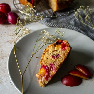 Almond olive oil plum cake