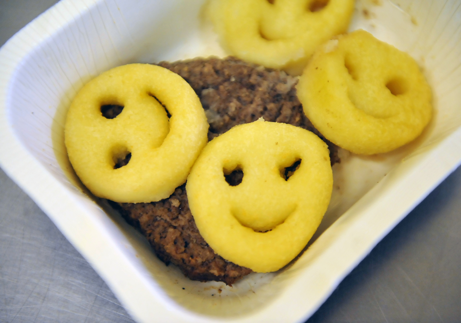 California school lunches missing the mark for nutrition