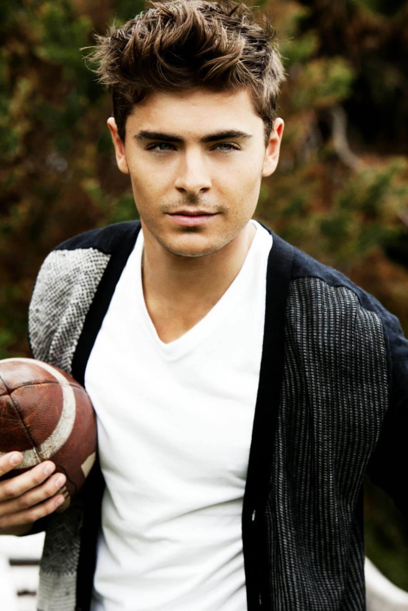 """Zac Efron """"accidentally"""" Breaks Jaw Cocaine Is A Hell Of"""