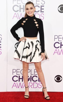 rs_634x1024-170118162335-634-meg-donnelly-peoples-choice-awards-11816